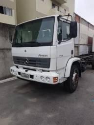 Caminhão toco Mercedez 1719 único dono com multa - 2013