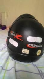 Vendo capacete semi novo