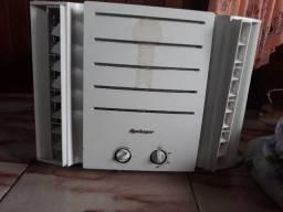 Ar condicionado 7.500 btw, bem conservado