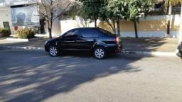 Polo Sedan Comfortline 1.6 - 2013