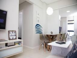 Aconchegante apartamento em Boca do Rio, nascente, com linda vista para o mar. Àrmários em