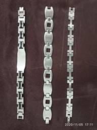 3 pulseiras masculinas.