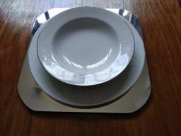 Título do anúncio: Sousplat em prata (conjunto com 6)