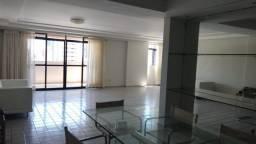 Apartamento com 3 suítes no Manaíra