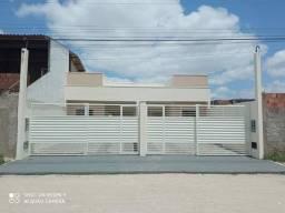 Casa para venda possui 70 metros quadrados com 2 quartos em Mangabeira - Feira de Santana