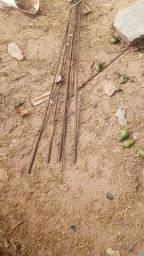 4 barras de ferro 5.16 e 3 Barra's de ferro de armação de laje