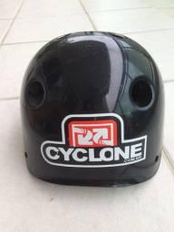 Capacete para skate e patins Cyclone