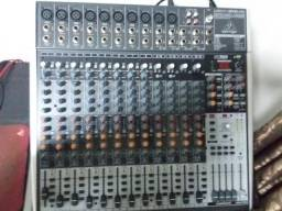 Mesa de som Behringer Xenix 2442 USB