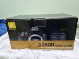 Câmera Nikon D3500 Nova, pouquíssimo uso.