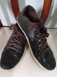 Sapato em couro 40 - 30,00