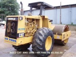 CAT 533 - Rolo Compactador