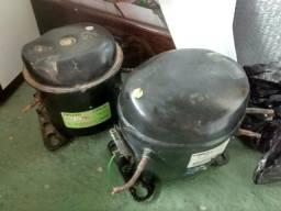 Dois motores de geladeira leia