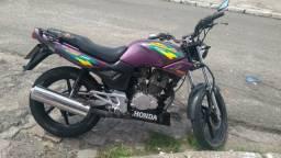 Vendo ou troco moto strada cbx200 por 3700 RS toda em dia - 1998