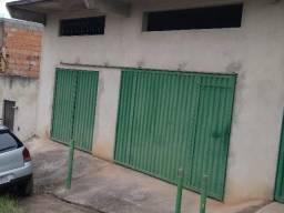 Casa no bairro Menezes, 3 quartos, sala,copa, cozinha, banheiro, lavabo, área de serviço