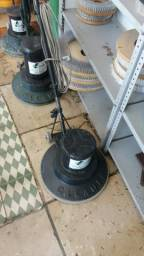 Enceradeiras industriais e lavadoras de pisos