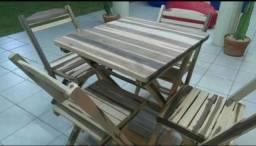 Conjunto de mesas c/ cadeiras