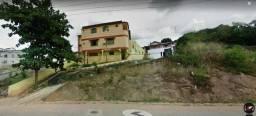 Casa ampla com 5 apartamentos e garagem em Nova Venécia/ES - Barato