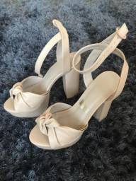 Vendo sandália nude PatBo CeA 35