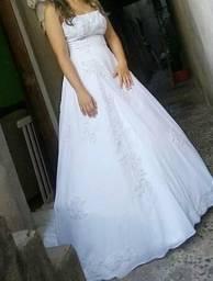 eb82e0dd485f vestidos de noiva usado