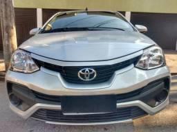 [[[[ Etios Sedan - X - 1.5 - muito novo !! ]]]]