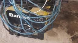 Máquina de solda 250 amperes nova com ligar para *