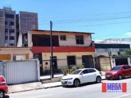 Apartamento com 3 dormitórios para alugar, 150 m² por R$ 1.600,00/mês - Amadeu Furtado - F