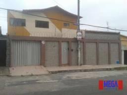 Casa duplex com 6 quartos, próximo à Av. Sargento Hermínio