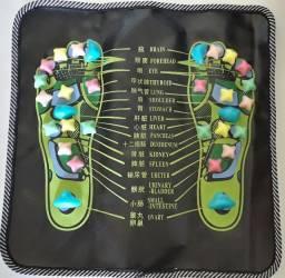 tapete para massagear os pés. reflexologia podal.<br><br><br>