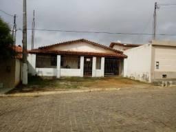 Vende-se uma casa em Jaguaquara - Ba.