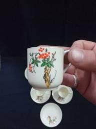 Título do anúncio: Conjunto de porcelana casca de ovo com desenho pintado a mão