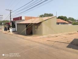 Casa com 3 quartos - Bairro Petrópolis em Várzea Grande