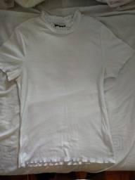 Camiseta com babado