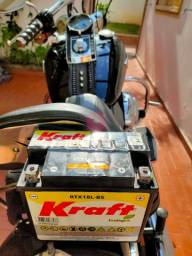 Bateria pra moto semi nova,poucos meses de uso