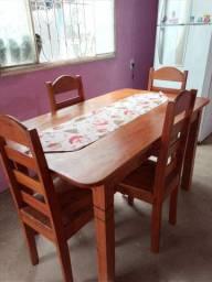 Mesa de Jantar, Angelin