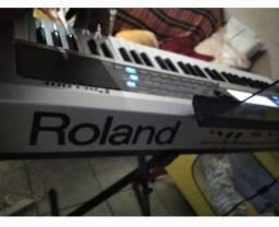 Título do anúncio: Teclado Roland top com ritmos atuais.