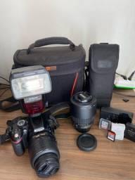 Vendo câmera profissional Nikon D3200