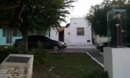 Vendo casa em Pirambu, 2 quartos. Rua Marechal Floriano 126, Centro