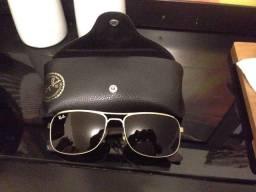 Óculos Ray Ban seminovo metade do preço