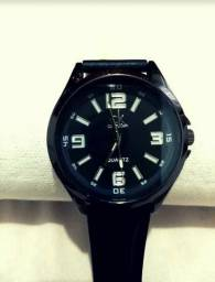 Relógios CK, Ferrari, Quicksilver.