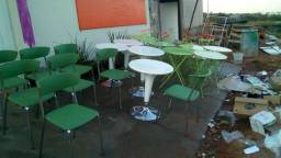 Cadeiras e mesas top - metade do preço