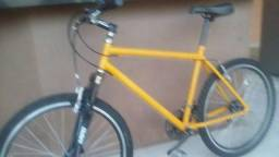 Bicicleta aro 26 em perfeitas condições feito revisão ontem
