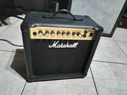 Amplificador Marshall MG 15 DFX BARBADA