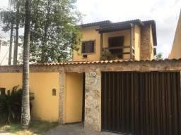 Excelente Casa dentro de condomínio fechado em Vargem Pequena/RJ