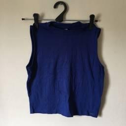 Blusa azul lisa