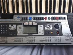 Teclado Yamaha psr 350 com entrada para disquete, raridade