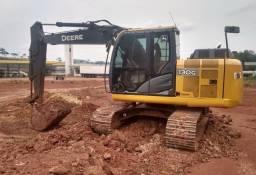Escavadeira John Deere 130G ano 2013, em Santa Catarina