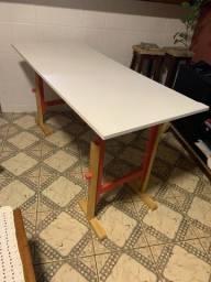 Mesa - cavaletes + tampo