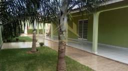 Casa com 3 quartos - Bairro Centro-Sul em Várzea Grande