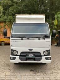 Caminhão Ford Cargo 1119 Baú