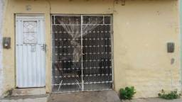 Título do anúncio: Alugo casa próximo ao centro de Salgueiro